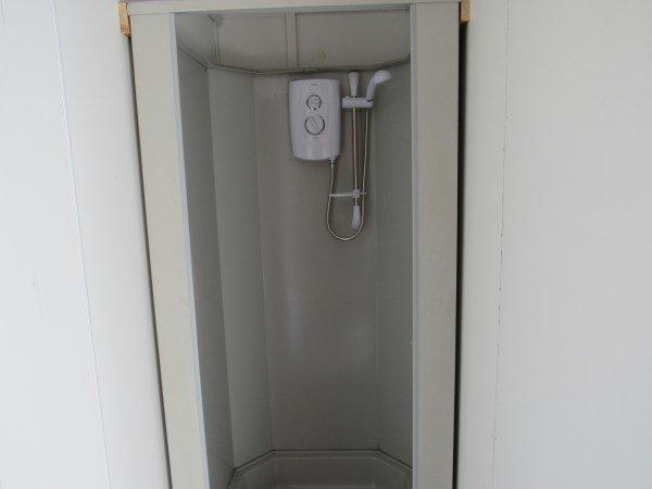 5+1 Shower Toilet Block