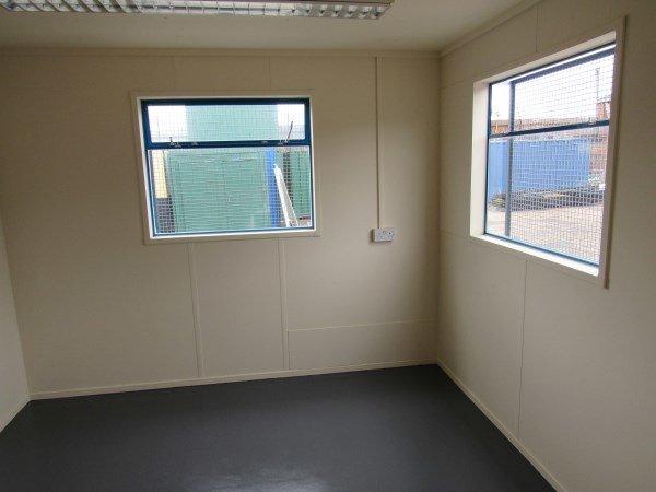 32ft x 10ft Flat Panel Steel Split Office