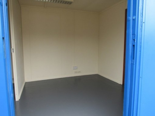 32ft x 10ft Flat Panel Steel Split Office