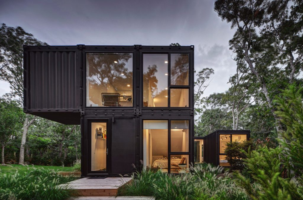 Shipping Containers Amass A Cost-Effective Bungalow In Amagansett