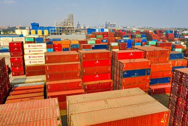 4 Benefits Steel Storage Containers Bring to Your Business